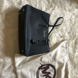 Michael Kors Bag with dust bag. In great condition